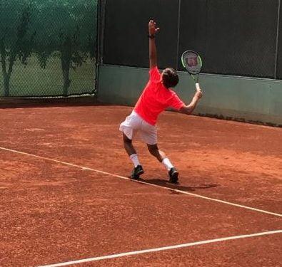 Mauricio Gutierrez tennis player and online student